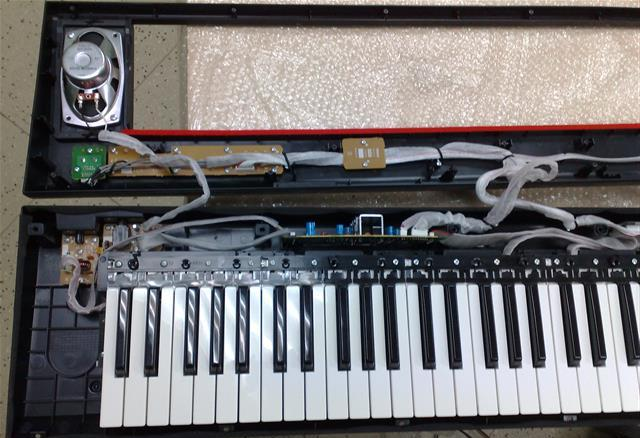 Yamaha Piaggero NP11 disassembly / repair pictures   keyboardservis cz