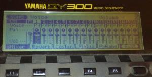 Sekvencer Yamaha QY300 bez podsvitu LCD displeje
