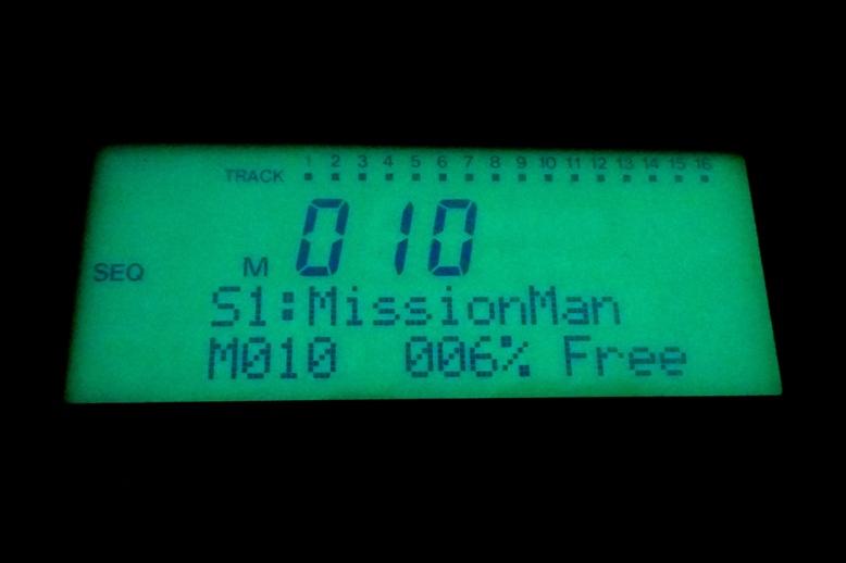Obnovený podsvit LCD displeje syntezátoru Korg N364
