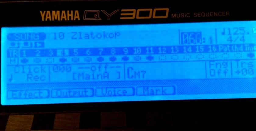 Podsvit LCD displeje Yamaha QY300